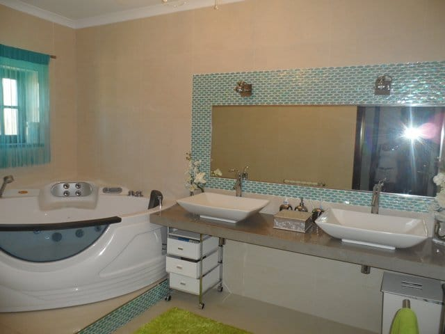 Holiday villa Portugal - Casa da Joana bathroom 1