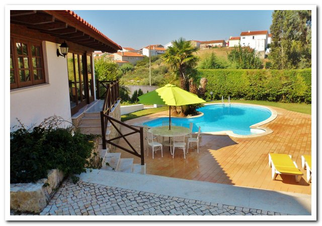 Holiday villa Portugal - Casa da Joana poolview