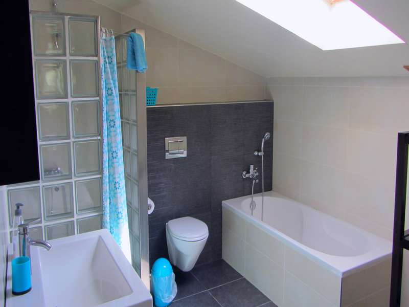 Vakantiehuis op kleinschalig vakantie park met zwembad - Casa Palmeira bathroom