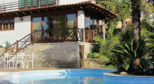 small scale holiday portugal with kids and pets_Casa da Joana_Quinta do Carmo view from pool