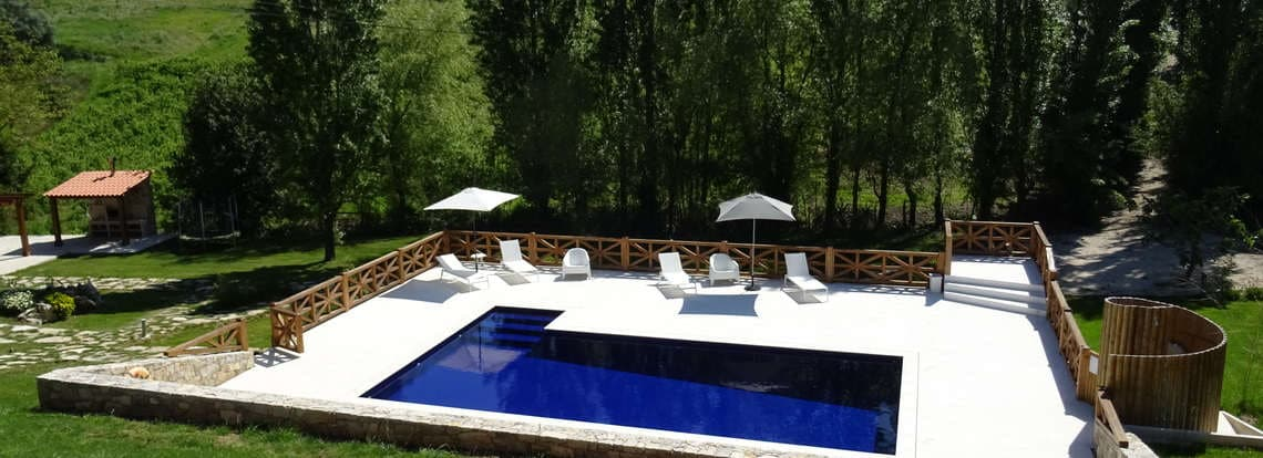 Holiday Portugal with nice pool at small and child friendly resort Quinta do Carmo