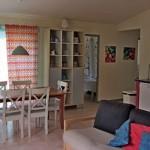 férias em família com bebé ou filhos no pequeno resort Alcobaça_Pomar living