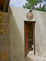 glamping Portugal na Quinta do Carmo private bathroom